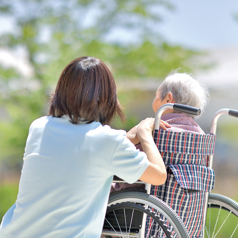 「通りすがりの高齢者の介護度を見てしまう」